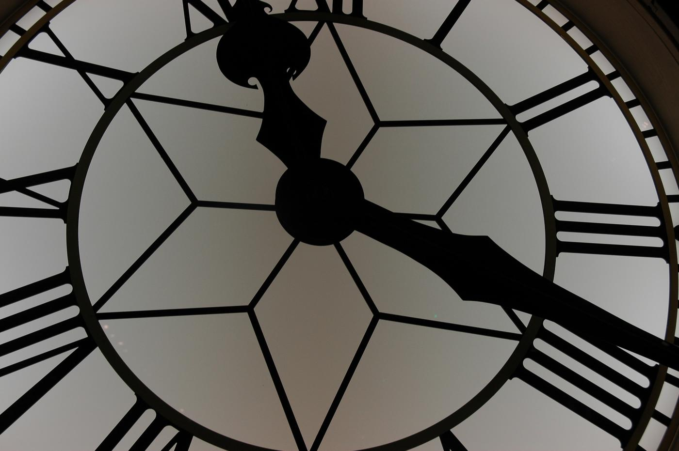 Close up / large mechanical clock